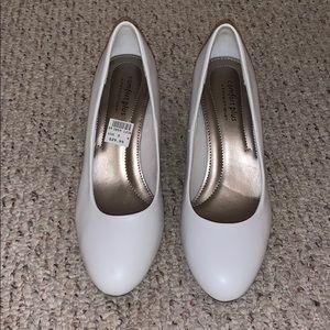 White heels comfort plus